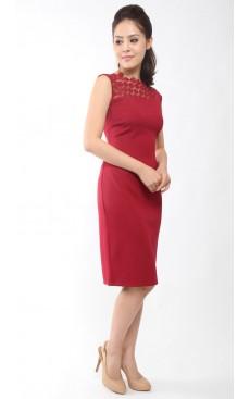 Crochet Lace Fitted Dress - Garnet
